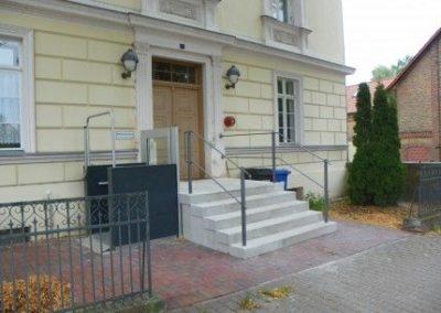 Barrierefreier Zugang in ein öffentliches Gebäude