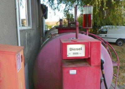 Tank- und Waschplatz